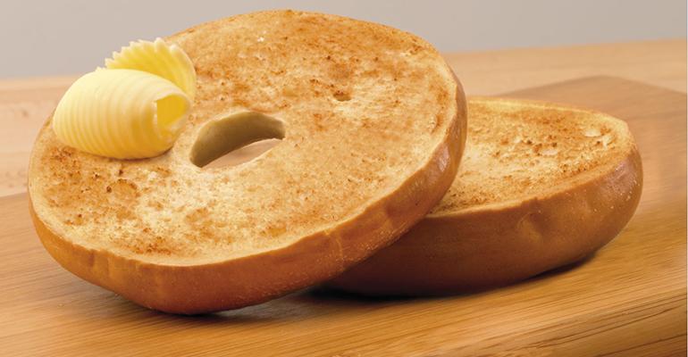 Thomas Bagels con mantequilla para el desayuno de Bimbo