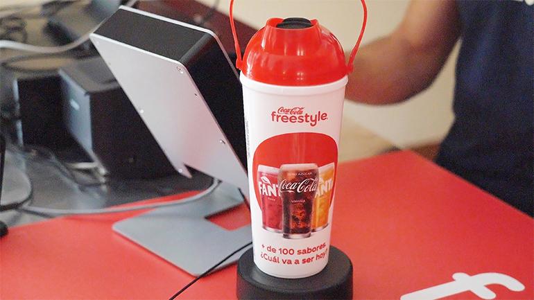 coca-cola-vaso-freestyle-parque-warner