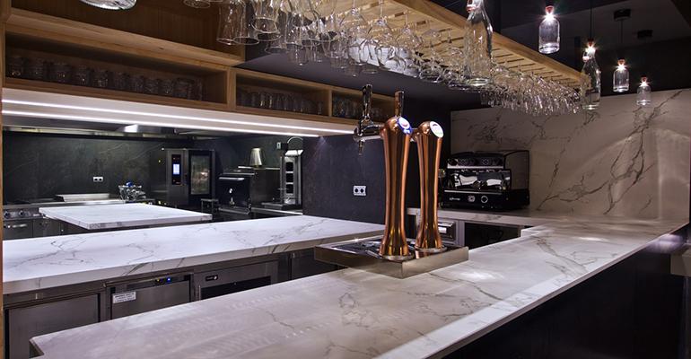 Cocina y baño del restaurante Topa Sukalderia
