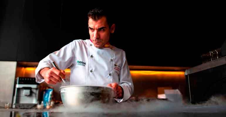 Carlos Durán cocina con aceite de orujo de oliva