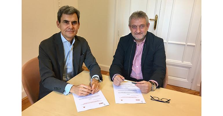 Carlos Pérez, de Marcas de Restauración y Javier Hortelano, de la AECC