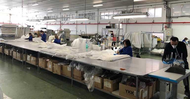 Ecus Sleep fabrica batas sanitarias para hospitales y residencias