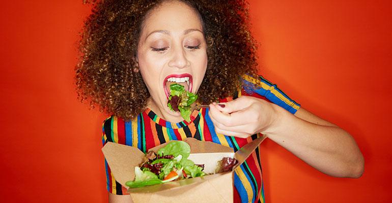 El 89% de los españoles demanda ofertas más saludables en los restaurantes, según Edenred