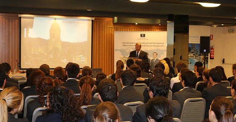Foro de Empresas Hoteleras de la Escuela Internacional de Hotelería y Turismo Vatel España, ha finalizado su primera edición con un claro éxito tanto de presencia de alumnos