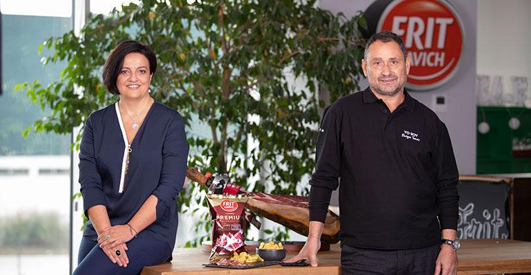 Judith Viader y Enrique Tomás con las nuevas patatas