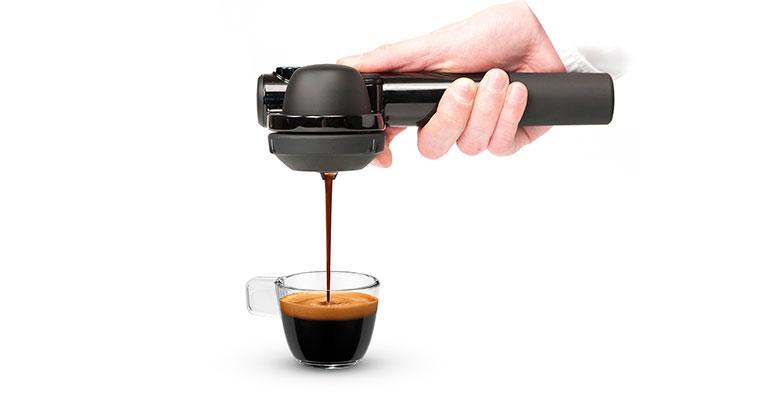 Cafetera que funciona sin electricidad ni batería