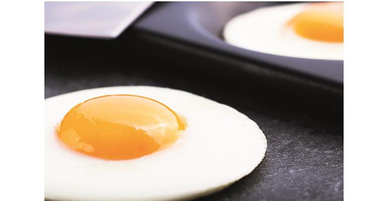 Huevos fritos con multibaker de Rational