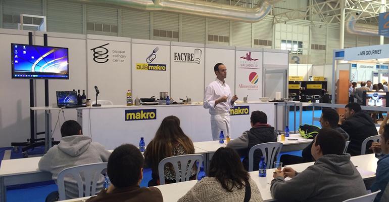 Cuatrocientos hosteleros recibieron formaci n para mejorar for Makro asturias catalogo