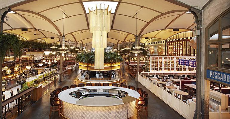 Interior del restaurante El Nacional Barcelona