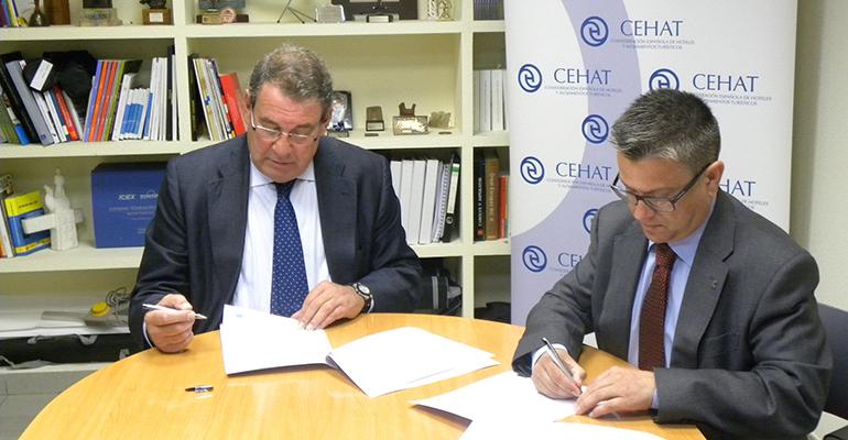 Firma convenio CEHAT y Grupo Cosentino