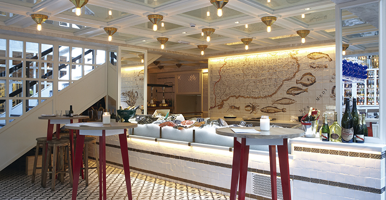 La Llotja restaurante de pescado en el nacional