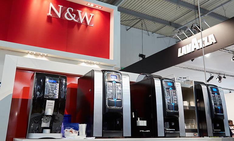 N&W-vending-host-milan