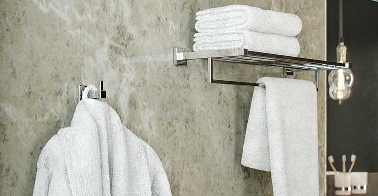 Accesorios de baño de acero inox con diseño moderno
