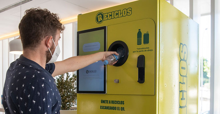 Más de 100 máquinas recompensarán por el reciclaje