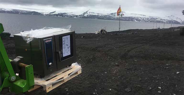 Equipo de Rational en la Antártida