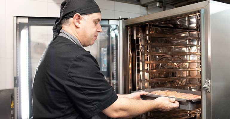 Equipamiento para la preparación de menús diarios in situ