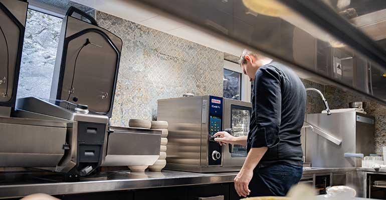 Equipos de cocina inteligentes: aumentan la productividad de manera sostenible
