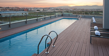 Terraza hotel lujo hilton en Girona