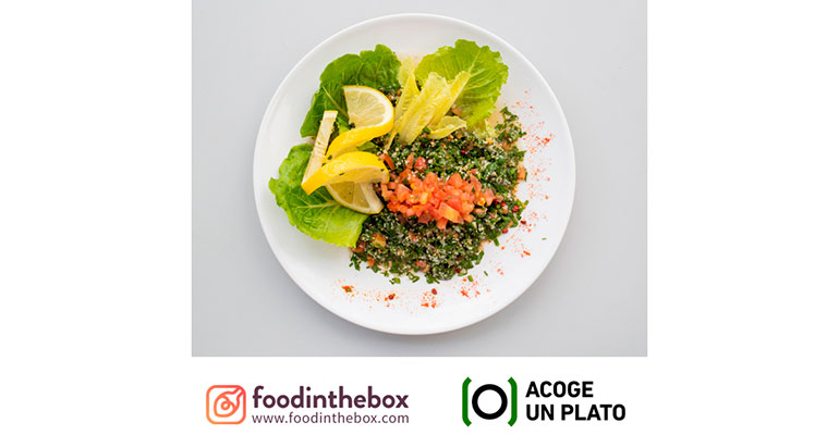 Acoge un plato food the box