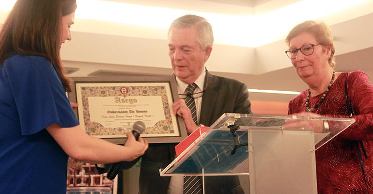 El fundador de la compañía, Luis Esteve, recibió el título de Gobernante de Honor