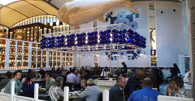 Arquitectos técnicos ofrecen asesoramiento gratuito para la adaptar los restaurantes en la reapertura
