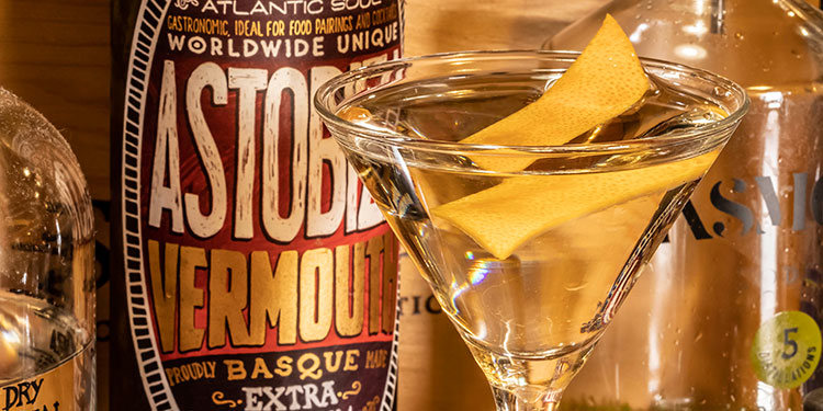 El vermut Astobiza logra el World Vermouth Awards en la categoría semi-sweet