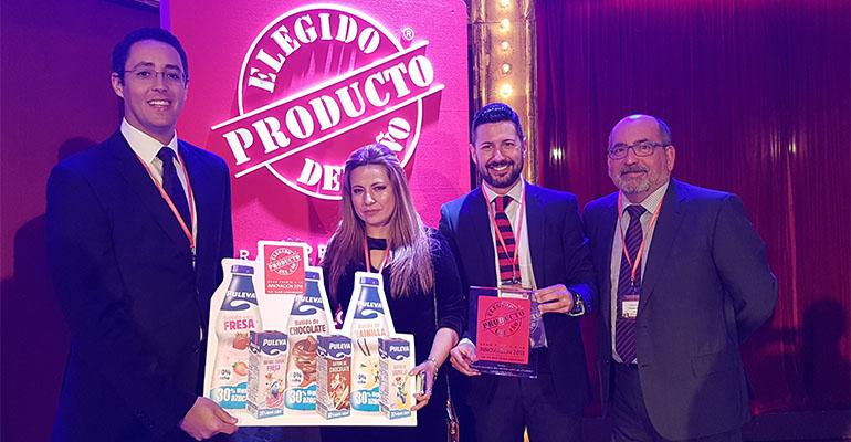 Los responsables de Batidos Puleva reciben el premio