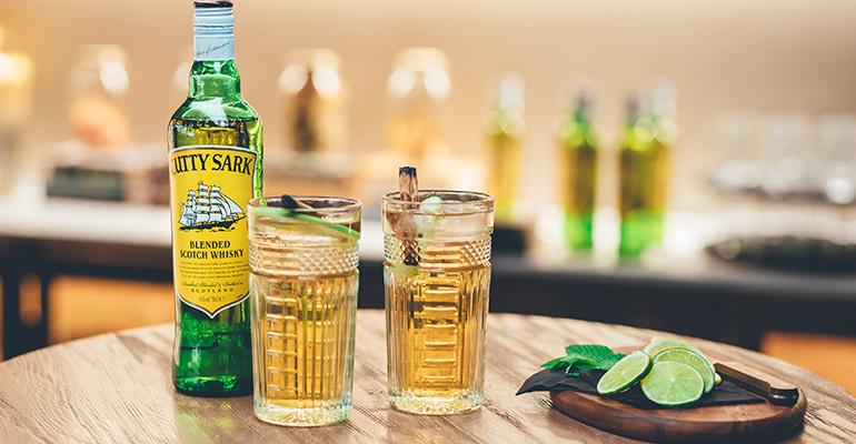 coctelwhisky de noche