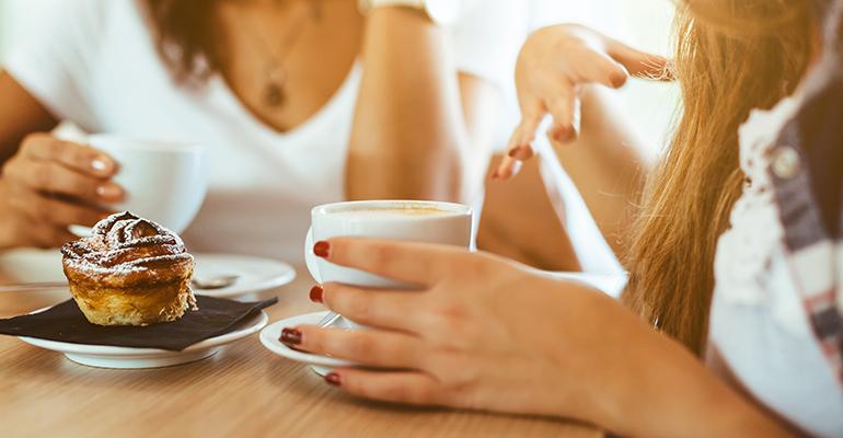 consumo de bebidas calientes en cafeterías