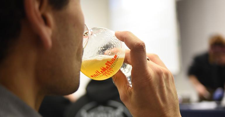 consumo de cerveza artesana