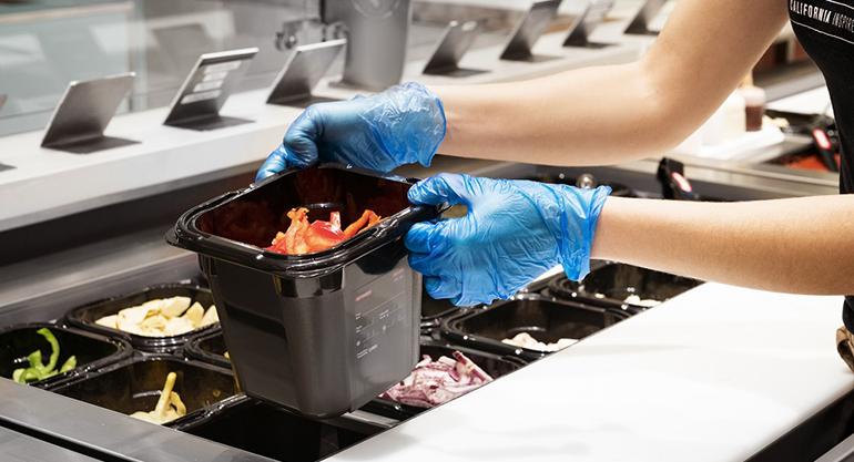 Cubetas negras para foodservice fabricadas  material muy resistente a los impactos y libre de bisfenol A (BPA free)