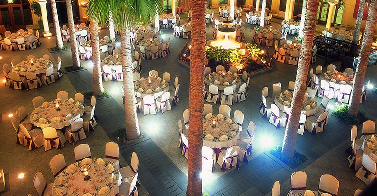 decoración textil banquete boda Resuinsa