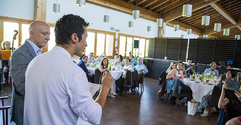 Eneko Atxa presentando el menú especial para Noches Cervezas Alhambra