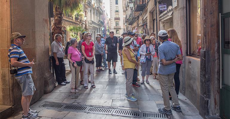 Grupo de turistas en Barcelona