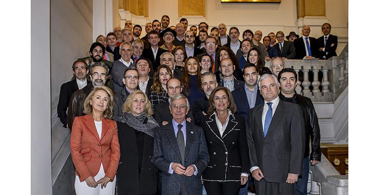 Foto de familia cocineros con soles repsol en Madrid