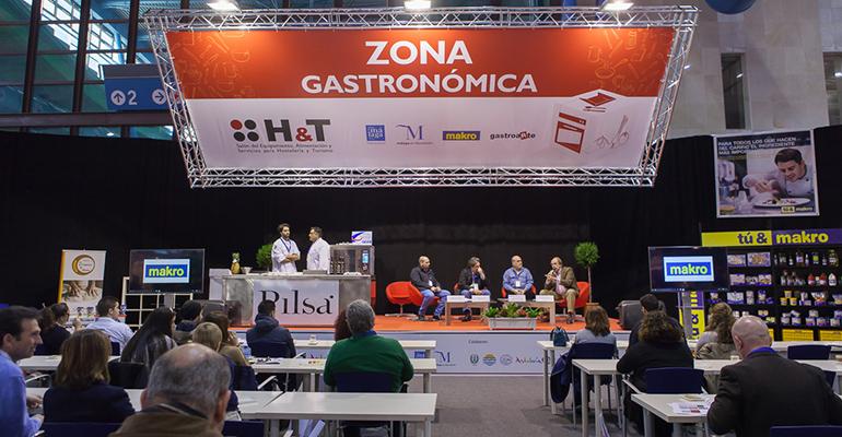 Zona gastronómica en el H&T de Málaga