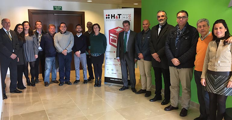 representantes de instituciones vinculadas a la hostelería y el turismo en Málaga
