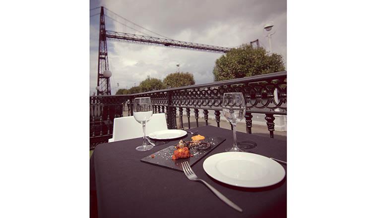 Terraza del Gran Hotel Puente Colgante en Portugalete, Vizcaya