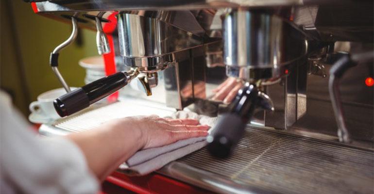 La importancia de cumplir las normativas en el sector de la hostelería