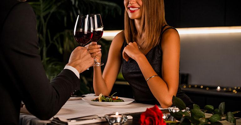 El consumo de bebidas en hostelería crece un 28% por San Valentín