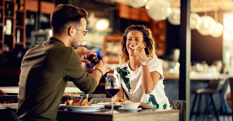 El 60% de los españoles se gastará de media entre 25 y 50 euros en un restaurante para celebrar San Valentín