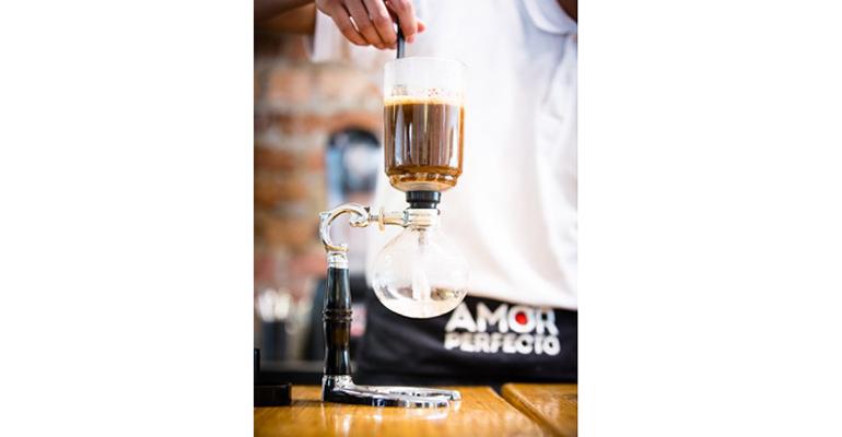 Preparación cafetera filtrado