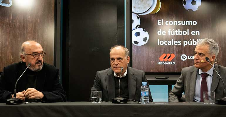 Los aficionados al fútbol gastan una media de 13 euros en cada partido que ven en el bar