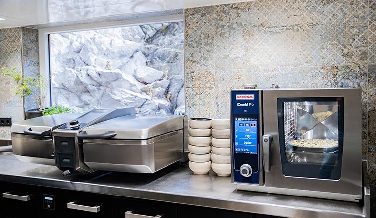 rational-ivario-icombi-equipamiento-cocinas-horno