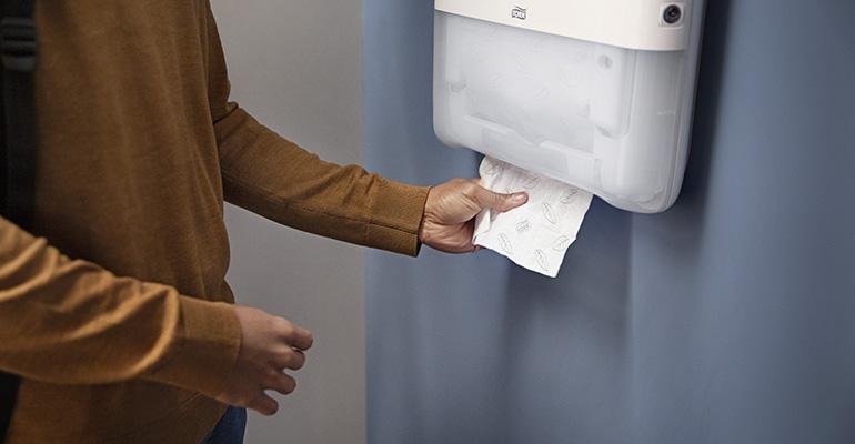Sistema de toallas de mano en continuo para espacios públicos