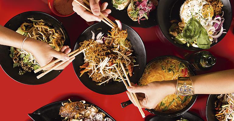 Comida asiática en Tuk Tuk
